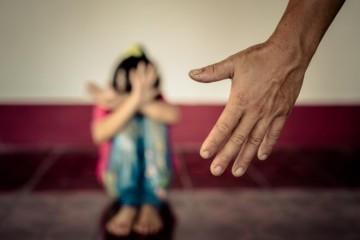 CENTAR SILOVANOJ ŽENI ODUZEO DIJETE I DODIJELIO GA SILOVATELJU: 'Vrištao je i plakao dok su mi ga na silu otimali'