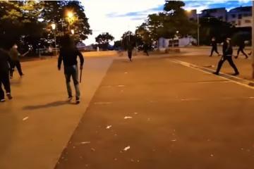 ŠOKANTNE SNIMKE IZ FRANCUSKE: PROSVJEDI PRERASLI U RAT NAORUŽANIH ČEČENSKIH I ALŽIRSKIH NARKOBANDI, policija nemoćna