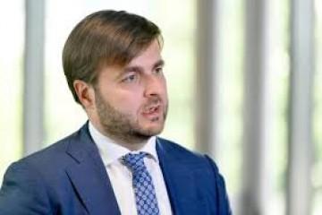 """Ćorić ponovno odbio odgovoriti na pitanja novinara pa poručio """"Javnost se zabavlja stvarima koje su ispod svake razine"""""""