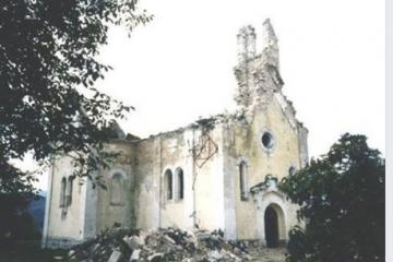 FOTO Na današnji dan 1992. Srbi su zapalili i uništili crkvu svetog Josipa u Maljkovu kod Sinja!…