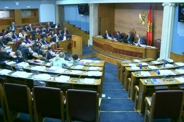 Crna Gora: Izglasan zakon zbog kojeg je prosrpska oporba izazvala kaos u Skupštini