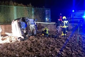 Auto je već prekrio led, a muškarac je ležao u njemu: Djelatnik zimske službe spasio život vozaču!