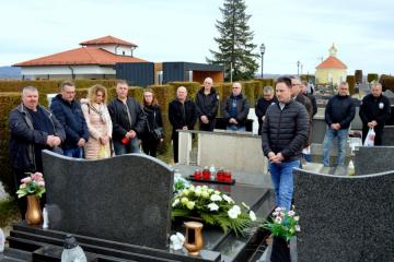 Odana počast preminulim hrvatskim braniteljima Davoru Bregoviću i Borisu Ribiću