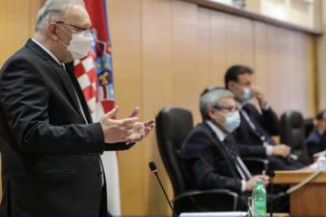 Aktualni sat: Pitanja Dragane Jeckov i Ermine Lekaj Prljaskaj za Davora Božinovića