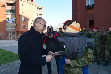 FOTO-VIDEO Pripadnicima Hrvatske vojske dodijeljeni stanovi u Kninu…