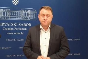 Deur (HDZ) Pupovcu: 'Znamo tko je bio agresor na RH i Vukovar'