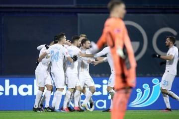 U čudesnom derbiju 3. kola HNL-a Dinamo i Rijeka na Maksimiru su remizirali 3:3