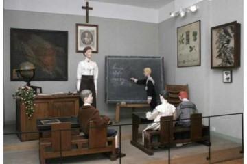 RED SE MORAO ZNATI! Evo kakve su torture učenici nekad prolazili u školama