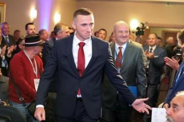 Ivan Penava novi je predsjednik Domovinskog pokreta: 'Ustali smo protiv svih onih koji su od Lijepe naše napravili tužnu njihovu'