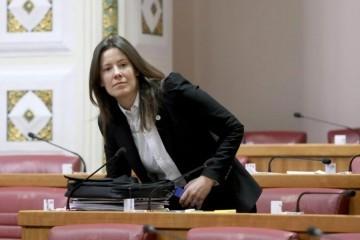 Kći lokalnog HDZ-ovca i zastupnica u Saboru godinama nekažnjeno kršila zakon?