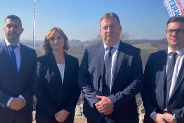 ŠKORO IM ČESTITAO NA HRABROSTI: Domovinski pokret predstavio svoje kandidate za lokalne izbore u Bjelovarsko-bilogorskoj županiji