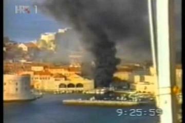 6. prosinca 1991. Zločini srpske vojske – TV Srbija razaranje Dubrovnika pripisuje paljenju guma