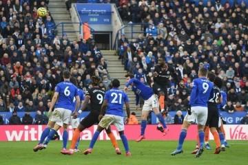 'Bomba' s 'Otoka'; Englezi mijenjaju i neka pravila na nogometnim utakmicama kako bi završili sezonu i olakšali samim igračima
