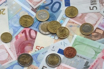 Sutra Suverenisti sa partnerima počinju prikupljanje potpisa za referendum o euru
