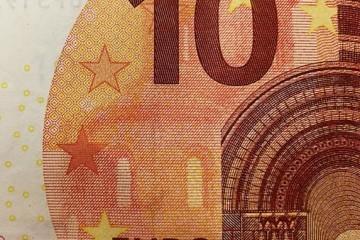VEĆINA GRAĐANA U STRAHU ZBOG POVEĆANJA CIJENA NAKON UVOĐENJA EURA! Donosimo analizu i otkrivamo hoće li sve poskupjeti