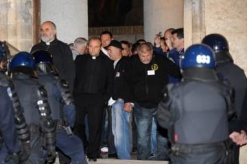 28. svibnja 2015. dramatična noć na Trgu sv. Marka: Kako je policija krenula na hrvatske branitelje?