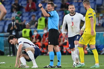Njemački sudac Felix Brych sudi prvu polufinalnu utakmicu EURA