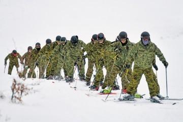 Pripadnici specijalnih snaga na skijaškoj obuci