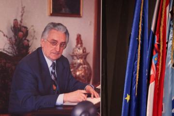 25. veljače 1990. Dr. Franjo Tuđman izabran za predsjednika HDZ-a