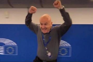 Čemu se Fred Matić toliko veseli?