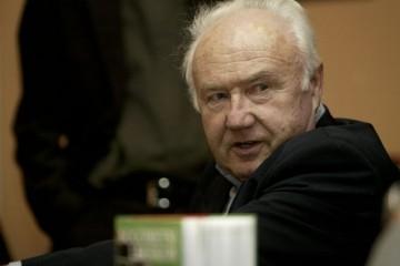 Preminuo ugledni sportski novinar i komentator Fredi Kramer