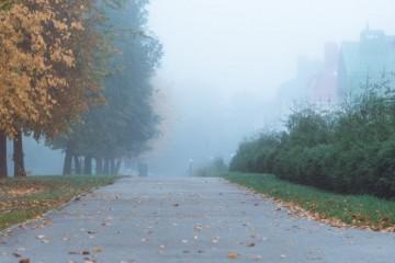 Svježe i maglovito ujutro, sunčano tijekom dana