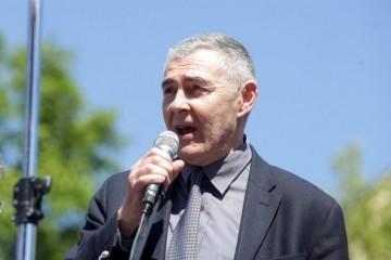 General Glasnović žestoko: 'Novca ima za Srpske Novosti i žderačinu državnih službenika, ali za njih ne!'