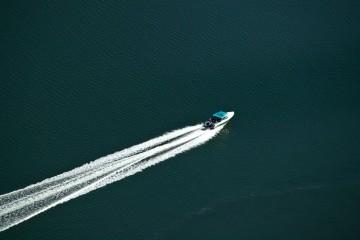 NEVJEROJATNO: Donijela BOMBU na gliser u kom je bilo sedam ljudi, ona tijekom plovidbe eksplodirala!