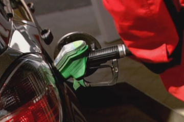 Dobra vijest za vozače: Od ponoći novo pojeftinjenje goriva, eurosuper bi mogao pasti i ispod 8 kuna za litru