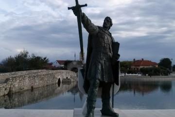21. svibnja 879. – papa svečano blagoslovio kneza Branimira i hrvatski narod