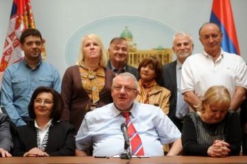 Ratni zločinac Šešelj najavio napad na Crnu Goru: Je*** ćemo majku premijeru Markoviću