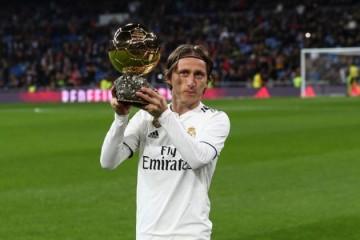 Zbog Luke Modrića u Real Madridu su se odlučili za povijesni presedan; ovo se u 'kraljevskom klubu' još nikad nije dogodilo