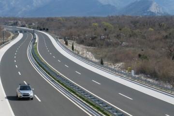 Na autocestama se gradi pet novih čvorova, pripremaju se i proširenja, a ukupna investicija premašuje 800 milijuna kuna