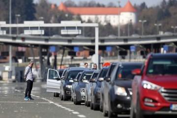 HAK: Gužve na granici na ulazu u Hrvatsku