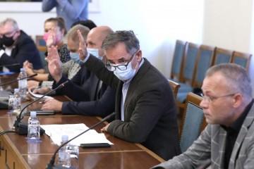 RASPRAVA O PUSHBACKU MIGRANATA  Hasanbegović izjavom izazvao buru na saborskom odboru, Pupovac mu oduzeo riječ