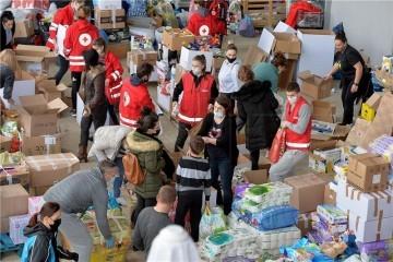 HCK: U tri dana podijelili 129 tona hrane, 50.000 litara vode i 21.000 toplih obroka