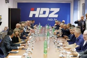 Završen sastanak u HDZ-u! Evo što su zaključili o izjavi Milorada Pupovca