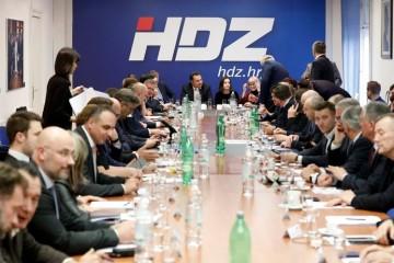 ODREĐEN DATUM UNUTARSTRANAČKIH IZBORA U HDZ-u Jedan od kandidata za predsjednika bit će i Karamarko? Izvori bliski njemu: 'Jako je blizu odluke...'