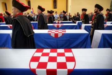 28. rujna 1988. Vicko Krstulović – partizanske zvijeri preorale grobove mrtvih vojnika i ostavili uplakane i neutješne majke