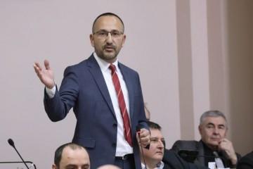 MARAS I VUČETIĆ NAPALI BULJA I ZEKANOVIĆA jer su tražili jednaka u prava nacionalnih manjina u Hrvatskoj i Srbiji!