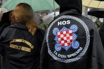 (FOTO) HOS-ovac osvojio ratnu neprijateljsku zastavu: Sve bitke Hrvatskih obrambenih snaga