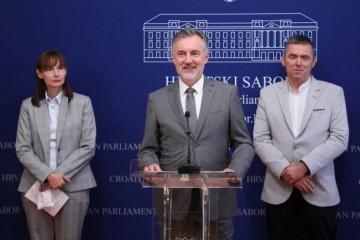 (VIDEO) Domovinski pokret podržao Narod odlučuje oko ponovnog brojanja potpisa zbog USKOK-a u Ministarstvu uprave
