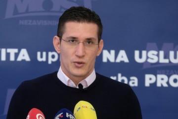 Mostov kandidat za gradonačelnika Troskot bi 'eliminirao' i 'procesuirao' hrvatske branitelje iz redova HOS-a