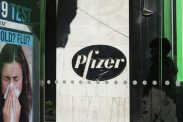 Izvršni direktor Pfizera: 'Moguće je da će se ljudi trebati cijepiti protiv korone svake godine'