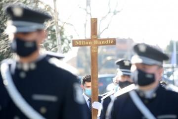 Pokopan Milan Bandić na Mirogoju: Ispratio ga veliki broj građana, obitelj, suradnici i brojni političari