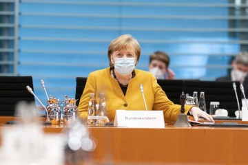 IPAK ĆE BITI USKRSA U NJEMAČKOJ: Merkel povukla spornu odluku