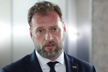 Banožić: Neće me zastrašiti napadi Zorana Milanovića
