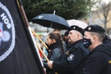Oglasili se HOS-ovci i poručili Milanoviću: Ratnu zastavu ni četnici nam nisu uzeli, a nećete ni vi