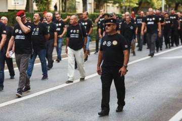 MAJICAMA PROTIV HOS OZNAKA! Ministarstvo hrvatskih branitelja izradilo  majice koje će branitelji nositi na 'Oluji'