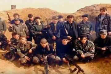 (VIDEO) 1. ožujka 1992. Vinkovci – u nikada razjašnjenoj eksploziji poginula tri HOS-ovca, a 11 teško ranjeno
